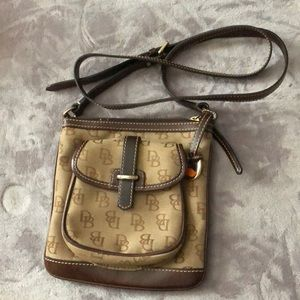 Crossbody purse